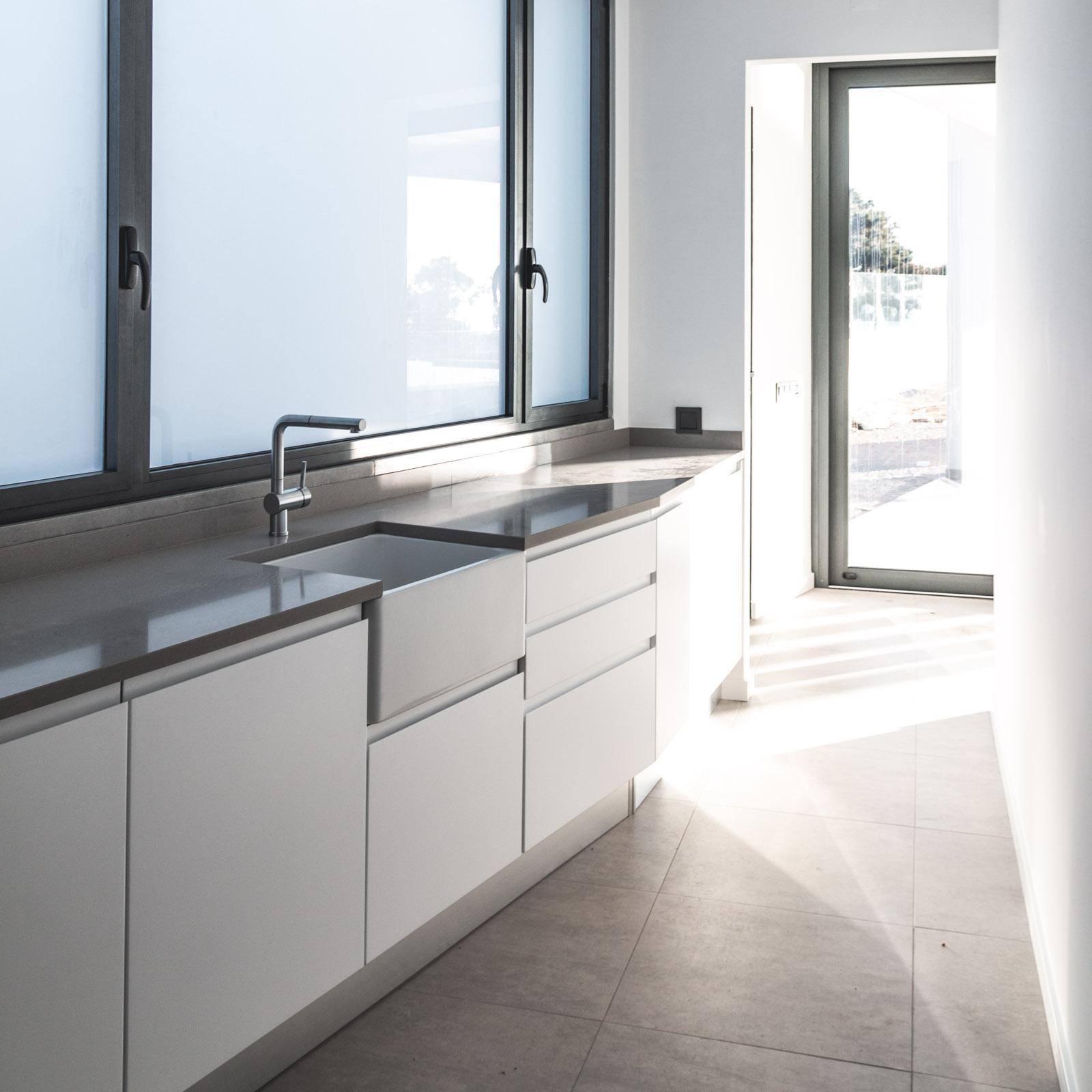 Back kitchen with ceramic sink
