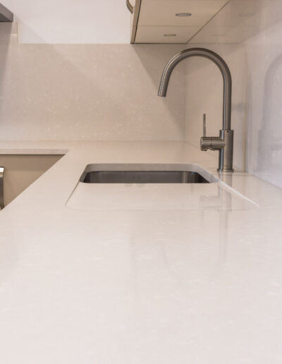 Undermount sink and recessed drainer and in worktop