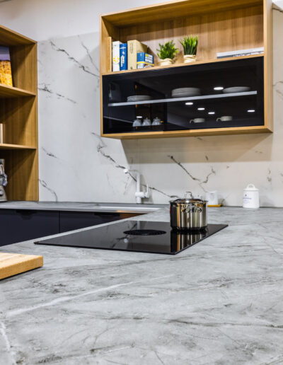 Kitchen with BORA Pure system in JMQ Cozinhas showroom in São Bartolomeu de Messines, Algarve