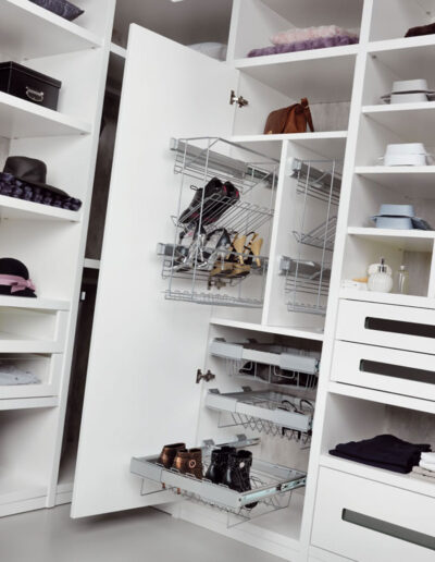 Closet's interior with frontal and lateral shoes-holder.