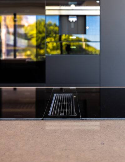 BORA Classic 2.0 induction+extraction in Modern Black Kitchen in Algarve