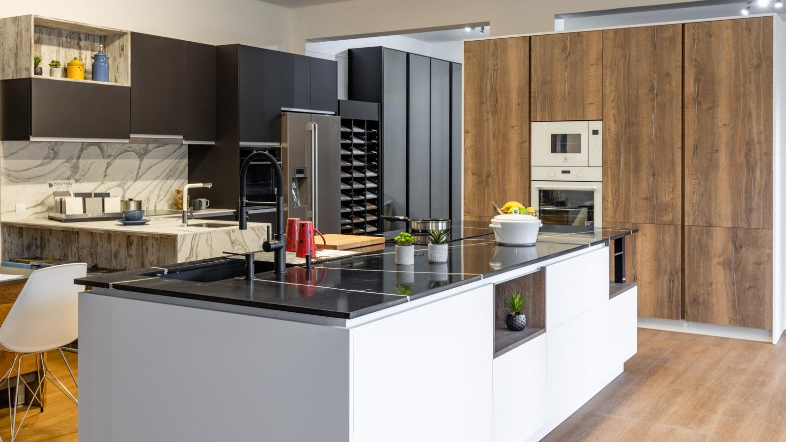 Kitchen Showroom JMQ Cozinhas in Armação de Pêra